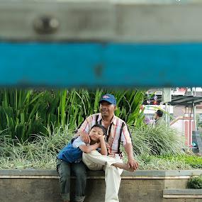 dady's love by Agus Aktawan - People Street & Candids