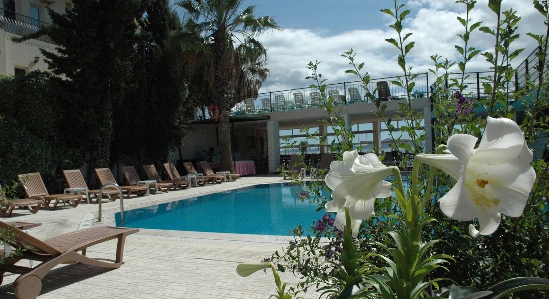 Cemre Hotel