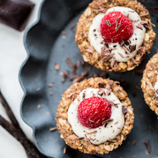 Oatmeal Cookie Tarts with Vanilla Bean Cream Filling