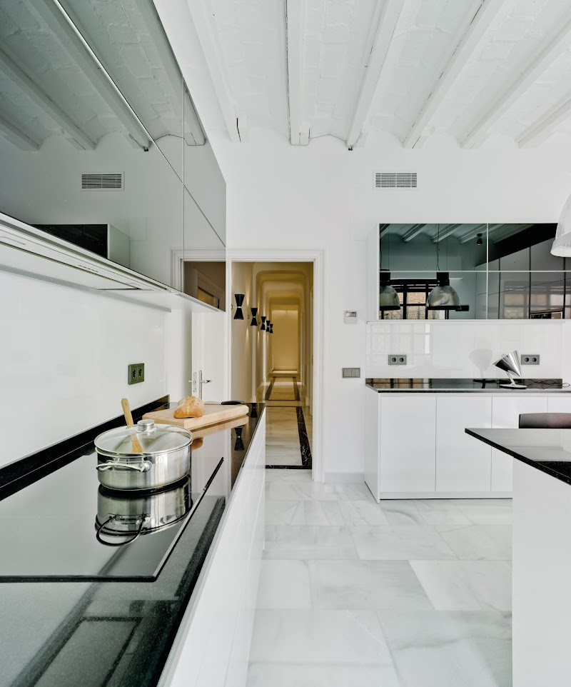 Cocina con abundante luz natural en el barrio de salamanca - Docrys cocinas ...