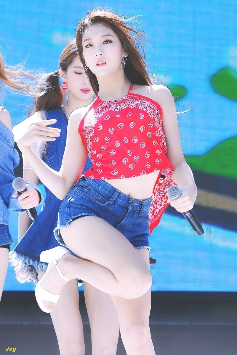seungyeon body 29