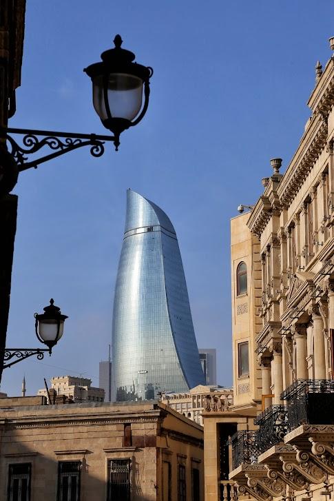 Baku, Ogniste Wieże, Flame Towers