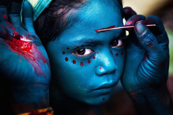 Ảnh chụp tại lễ hội Mayana Soora Thiruvizha tổ chức vào tháng 3 hàng năm ở ngôi làng nhỏ thuộc Kaveripattinam, Ấn Độ.