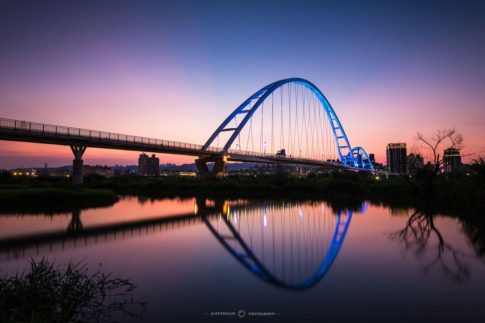 新月橋的日落時刻非常迷人。