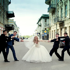 Wedding photographer Ulyana Aleksandrova (Ulyanka). Photo of 13.04.2015