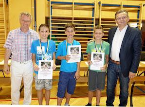 Photo: Sieger beim Kletterwettbewerb (Knaben - 1. und 2. Klassen)