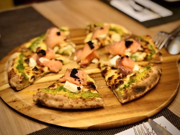 每一道菜都很美味,服務也很好,氣氛一流,位置絕佳,超級推薦!