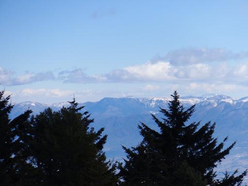 美ヶ原、右奥に浅間山