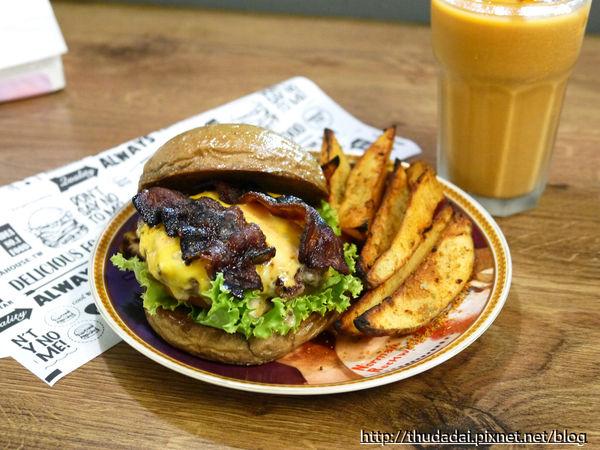 Man Cave Brunch&Burger