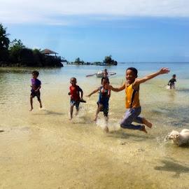Summer Frolic! by Dickson   Shia - Babies & Children Children Candids ( beach, action, sea, fun, kids )