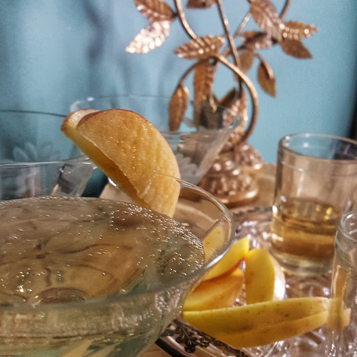 Golden Apple Champagne Cocktail Recipe
