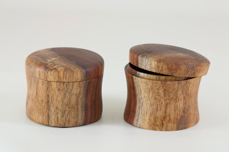 "Photo: Tim Aley 2 3/4"" x 2 1/4"" lidded box [rosewood]"