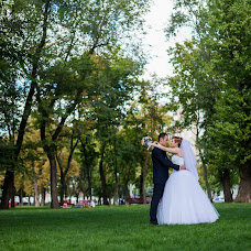 Wedding photographer Denis Kolesnichenko (DeZZ). Photo of 19.11.2014