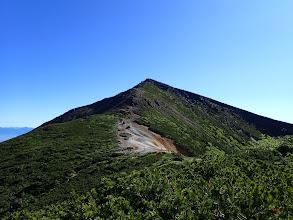 赤岩の頭から硫黄岳を仰ぐ