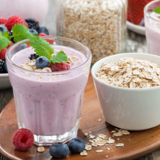 Berry Nutty Oatmeal Smoothie