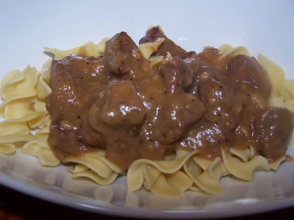 Nana's Beef Tips With Noodles Recipe
