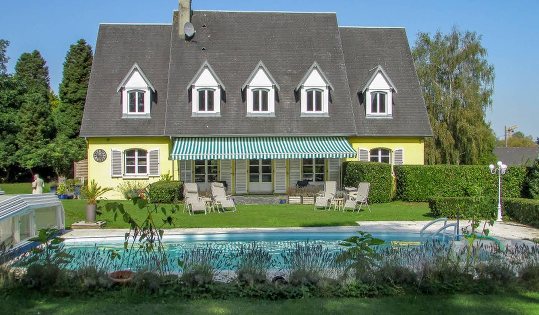 Maison avec piscine et jardin Tessy-sur-Vire