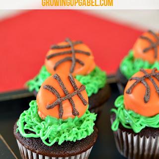 Basketball Mini Cupcakes.
