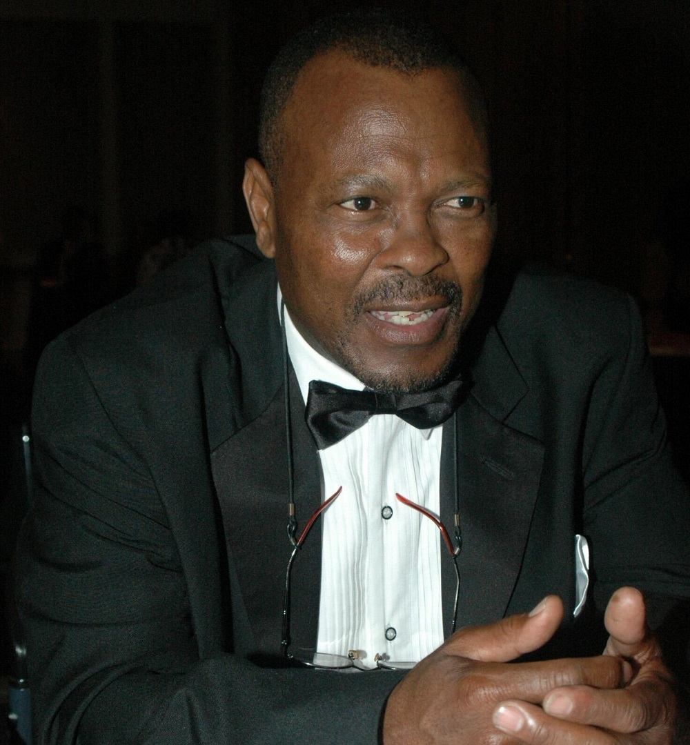 Veteran actor Sandy Mokwena has died.