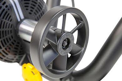 CycleOps M2 Smart Trainer  alternate image 3