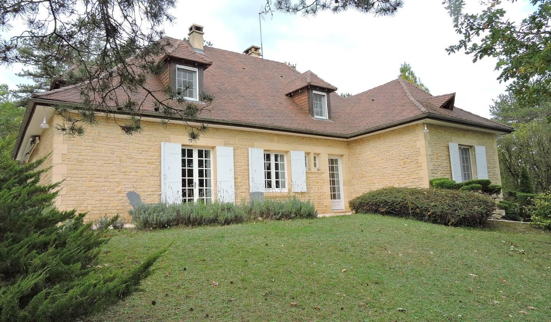 Maison contemporaine avec jardin et terrasse Trélissac