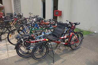 Photo: Trois tandem qui s'accrochent au parking ça donne ça !