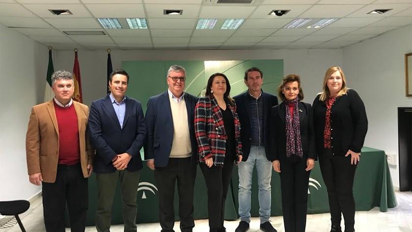 Representantes de UPA Andalucía con Carmen Crespo tras la reunión.