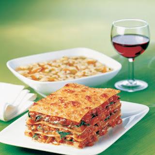 Lasagne mit Tomaten, Pilzen und Zucchini