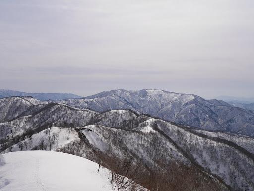 横山岳(歩いてきた道を一望)