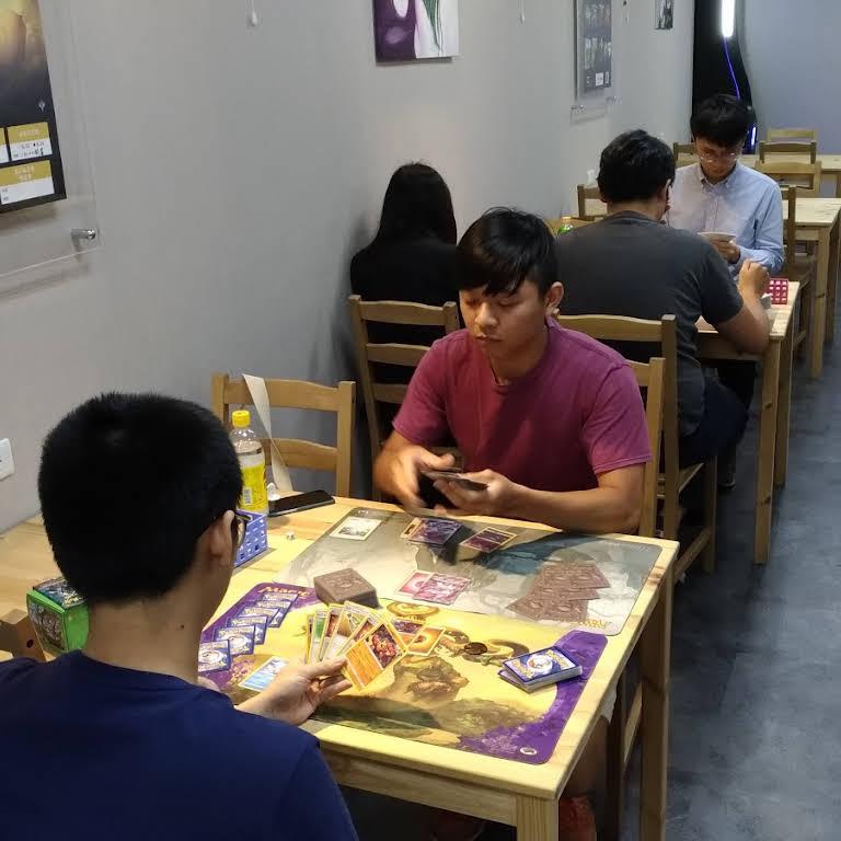 貓腳印-松山店 卡牌/棋弈/桌遊/飛鏢 - 棋牌室