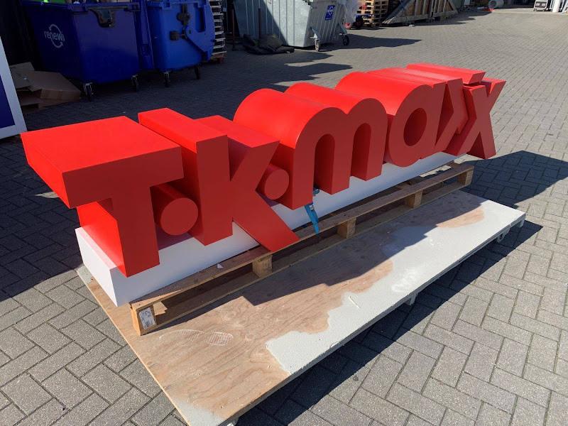 3D letters & logo's uit EPS en XPS - TKmaxx 3D piepschuim logo met polyurea coating