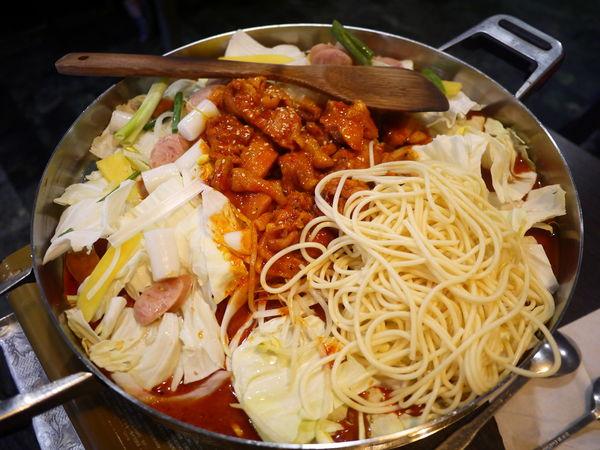 大韓拉麵食堂-好平價。cp值高。大份量好吃韓式料理
