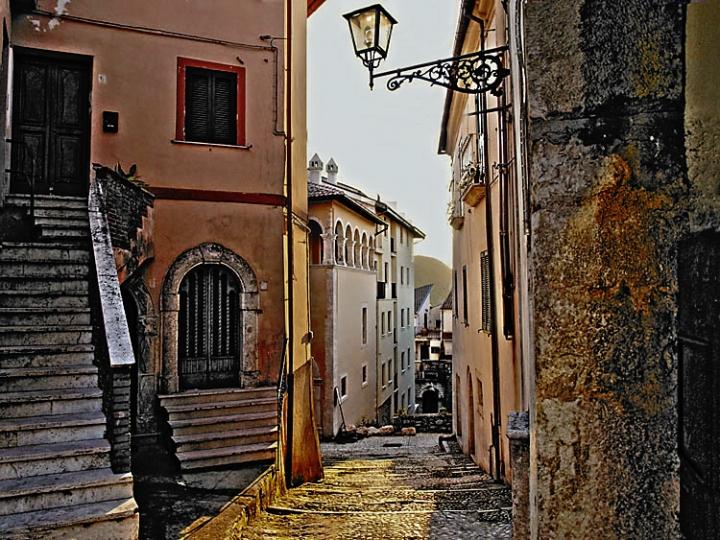 Atina, vicolo. di Mirko Macari Fotografia