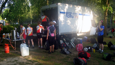 Photo: Unloading at Tordesillas camp site