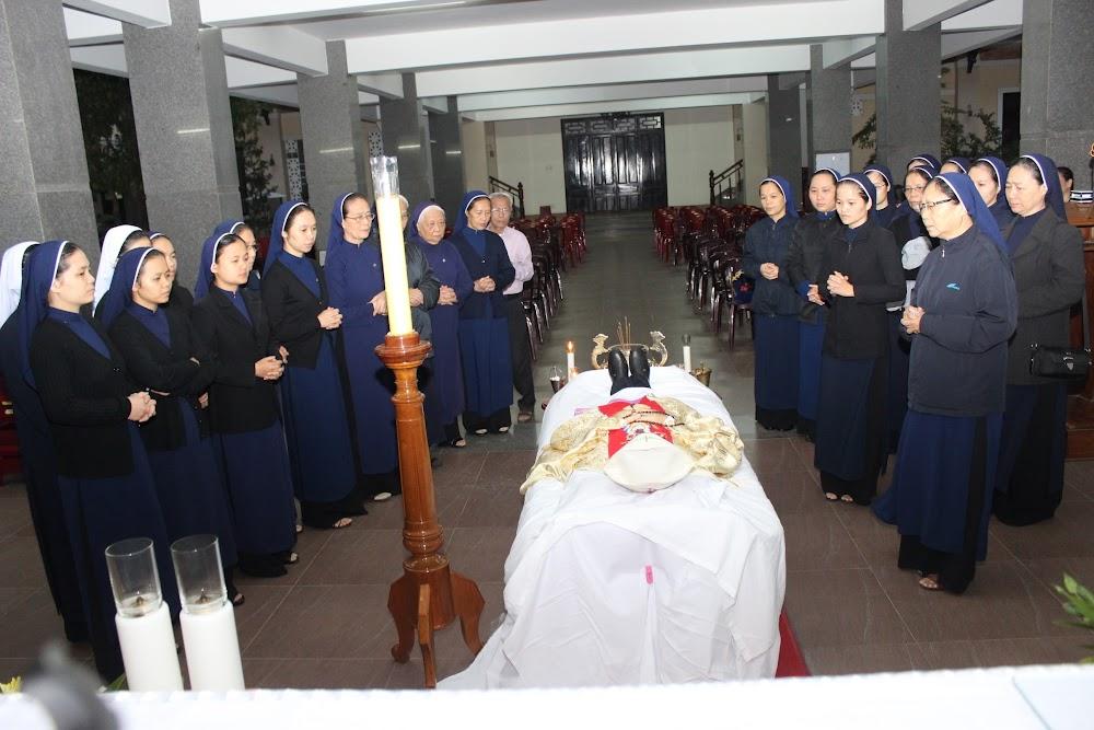 Các đoàn thể kính viếng Đức Cha Phaolô mới qua đời - Ảnh minh hoạ 18