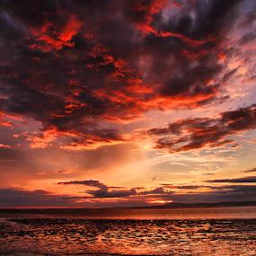 Red Sky At Night............ by Sandra Cockayne - Landscapes Sunsets & Sunrises ( waterscape, sunset, sandra cockayne, sundown, holidays, seaside, dramatic sky, beach, seascape, landscape, dusk, skies,  )