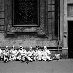 tin men by Tyler Sleap - People Street & Candids ( performers, b&w, rome, street, white, men, tin, black )