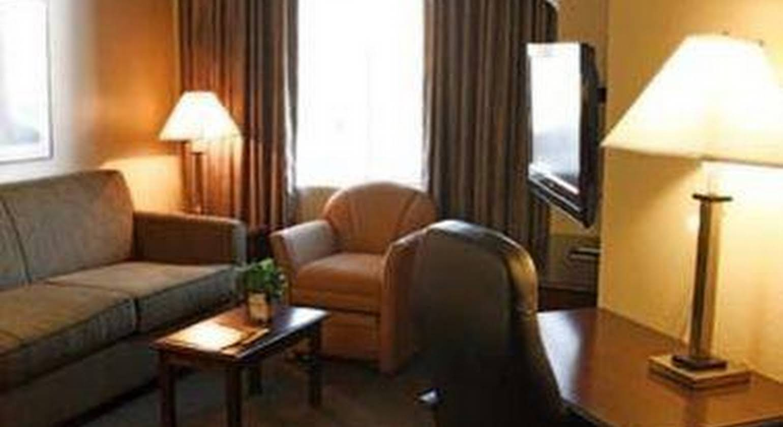 Hawthorn Suites by Wyndham Chandler