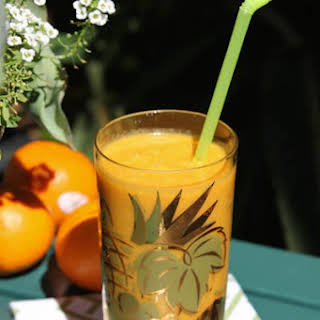 Tangerine Turmeric Antioxidant Smoothie.