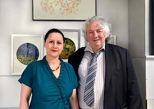 Photo: KÜNSTLERGESPRÄCH BERNARDA BOBRO am 16.6.2014. Moderator Dr. Peter Dusek. Foto: Barbara Zeininger