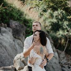Wedding photographer Asya Molochkova (emptyredhead). Photo of 17.02.2018