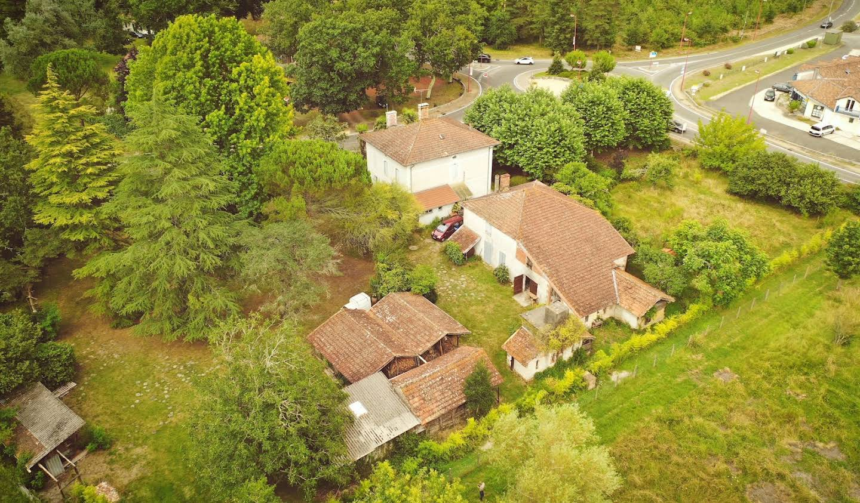 Property with garden Saint-Julien-en-Born