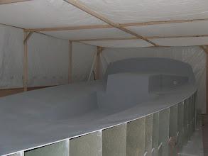 Photo: Le tunnel pour la fabrication du pont