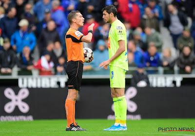 """Lardot gaat in op betwiste fases in Club-Gent: """"Ik achtte het niet nodig om geel te trekken"""""""