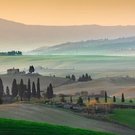 Tuscany by Miloš Hudarin - Landscapes Travel ( sunrise, green, grass, tuscany, morning )