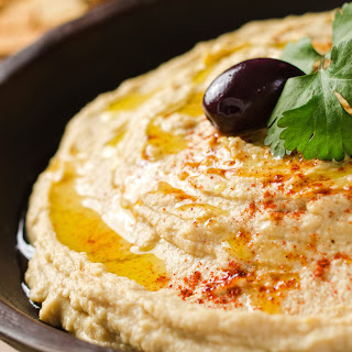 The Best Homemade Hummus Ever.