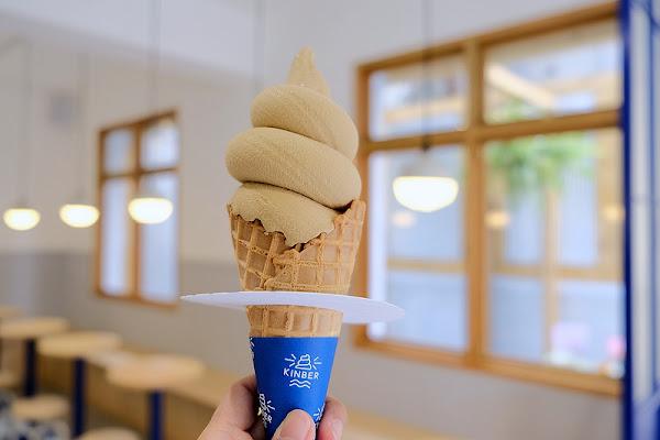 Kinber Made 金帛手製☞金帛二代店霜淇淋界的燈塔!日式老宅結合壁畫藝術家藍色隧道的亮眼彩繪牆!