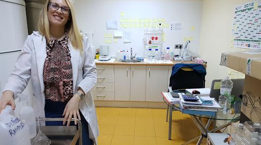 Lourdes Muela, en el laboratorio de Semillero Vitalplant
