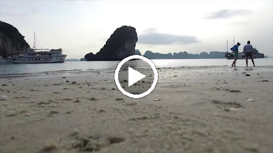 Video: Halong Bay (North Vietnam) ; 1800 karst islands !
