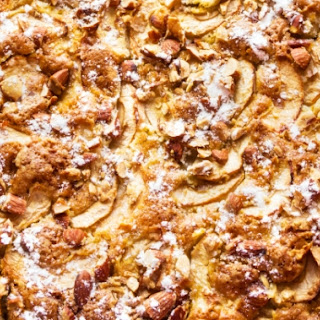 Country-style Apple And Almond Cake.